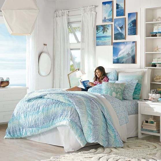 Beach Themed Bedroom Decor for a Natural Look