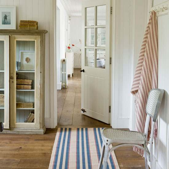 Ideas for Decorating a Hallway Several Tips to Go